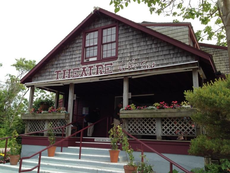 Il piccolo teatro e carino, si?